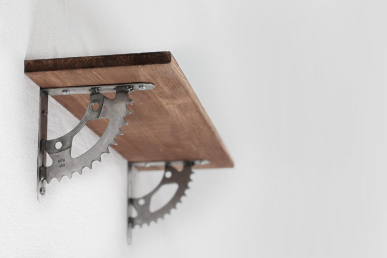 Regalwinkel aus altem Kettenrad