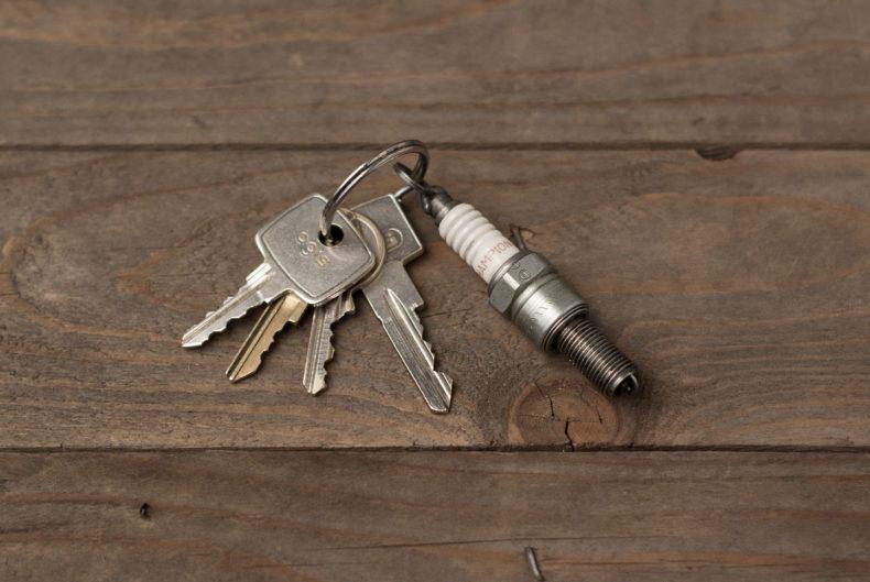 Schlüsselanhänger aus alten Zündkerzen