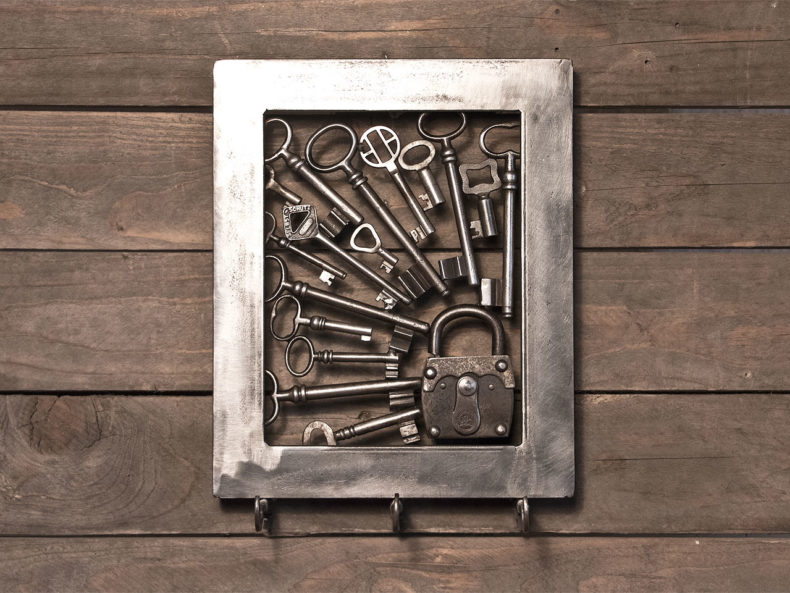 Schlüsselbrett aus alten Schlüsseln